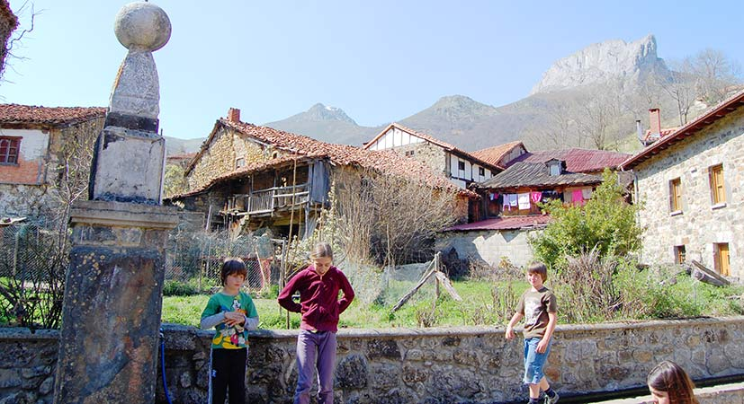 Children playing free in the small village of Caloca